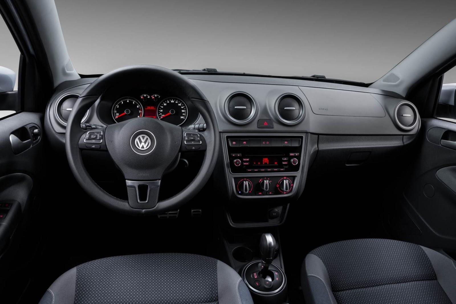 Sobre Volkswagen Voyage 2015 Novo-Gol-g6-2015_Fun_painel