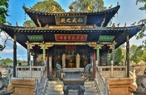 ตำหนักทองจินเตี้ยน (Golden Temple) @ www.visitourchina.com