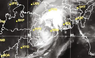 PHAILIN Hits Odisha, Andhra, Bihar Regions New Update