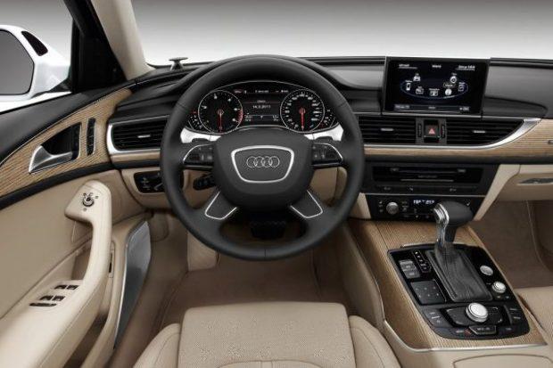 Ejha! – Simicska húszmilliós Audival kenyerezte le Vonát