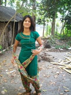 Bangla choti আমি ব্যথায় আর আনন্দে ককিয়ে উঠলাম