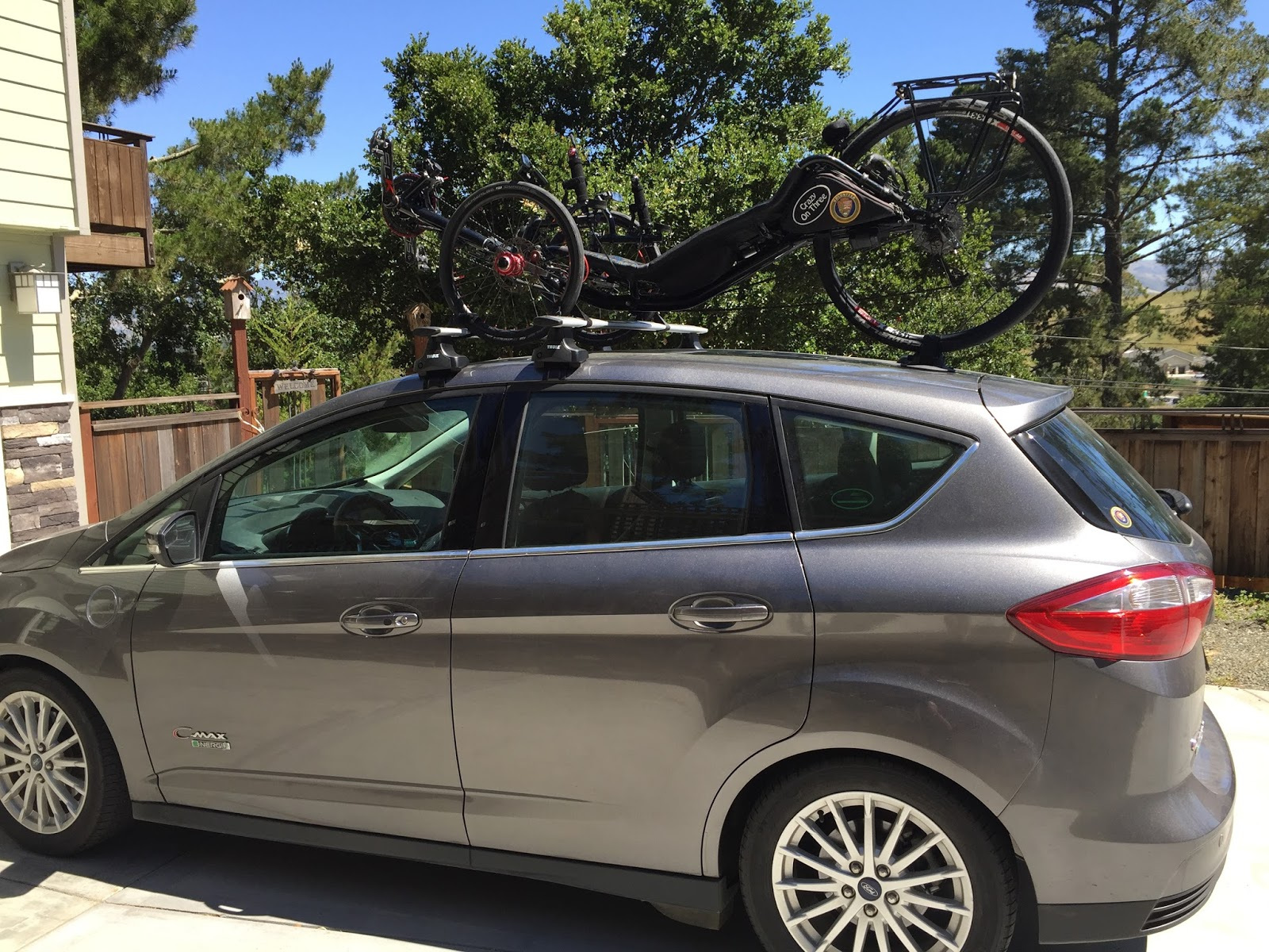 The Flush Mount Thule Roof Rack Is Installed So My Front Tires Fit Nicely  In Between The Racks. A SeaSucker Suction Cup Holds The Rear Tire In Place.