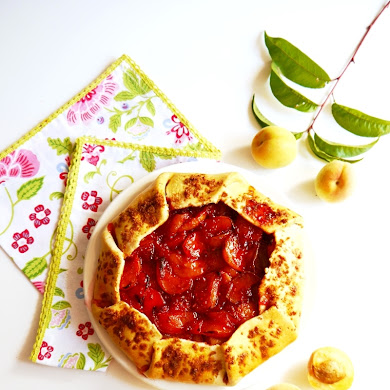 The Easiest Peach & Raspberry Galette Recipe