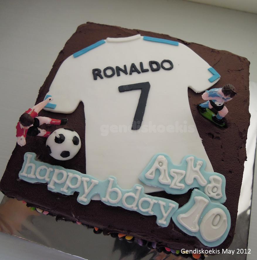 Gendiskoekis Chocolate Cake With Football Design