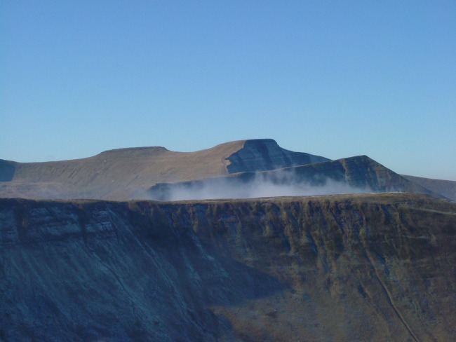 Walks-in-South-Wales-Pen-Y-Fan-image-of-Fan-Y-Big-Cribyn-Pen-Y-Fan