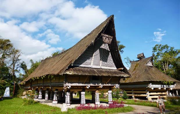 Rumah Bolon Rumah Adat Dari Daerah Sumatera Utara Dtechnoindo