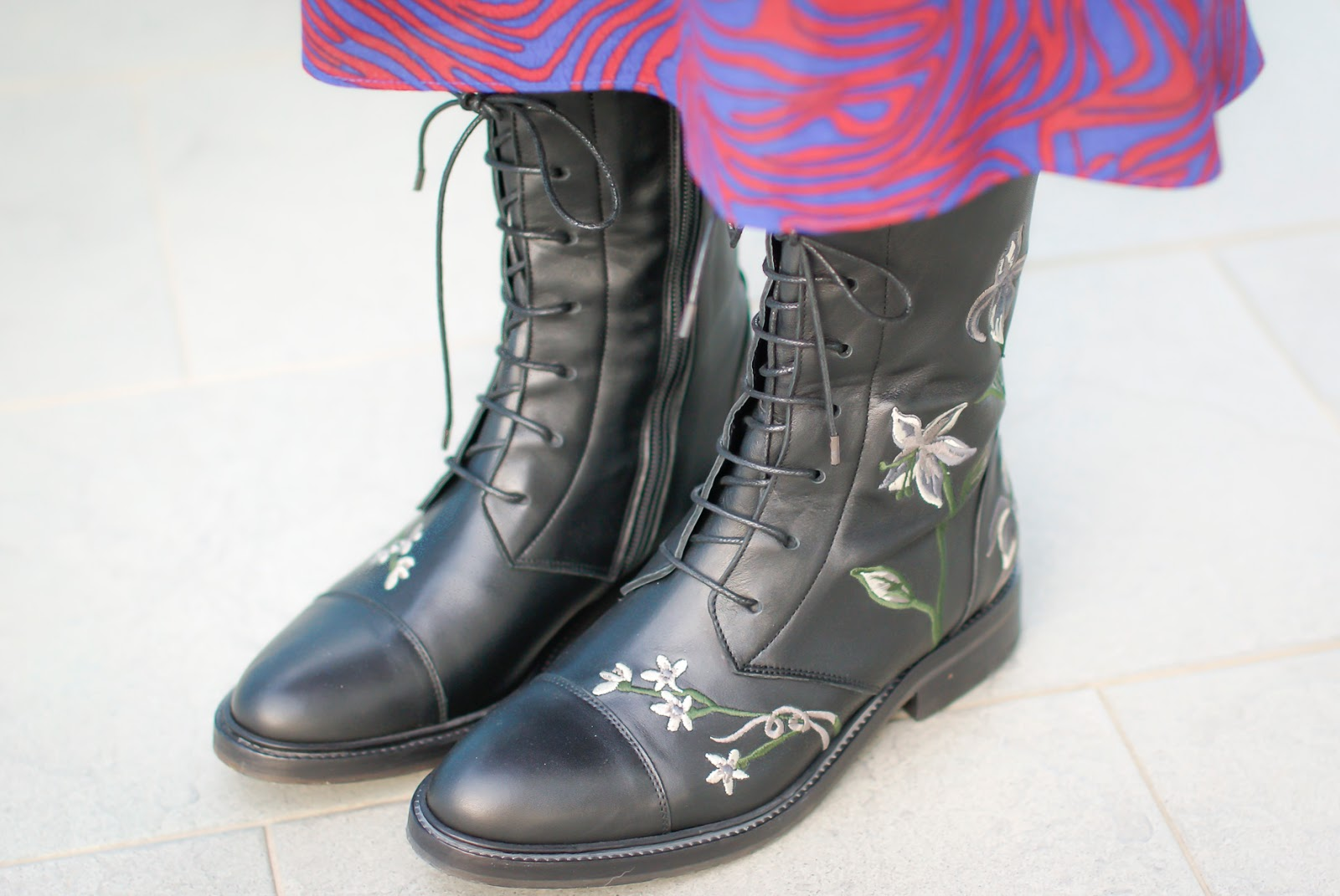 Anfibi ricamati, embroidered combat boots on Fashion and Cookies fashion blog, fashion blogger style