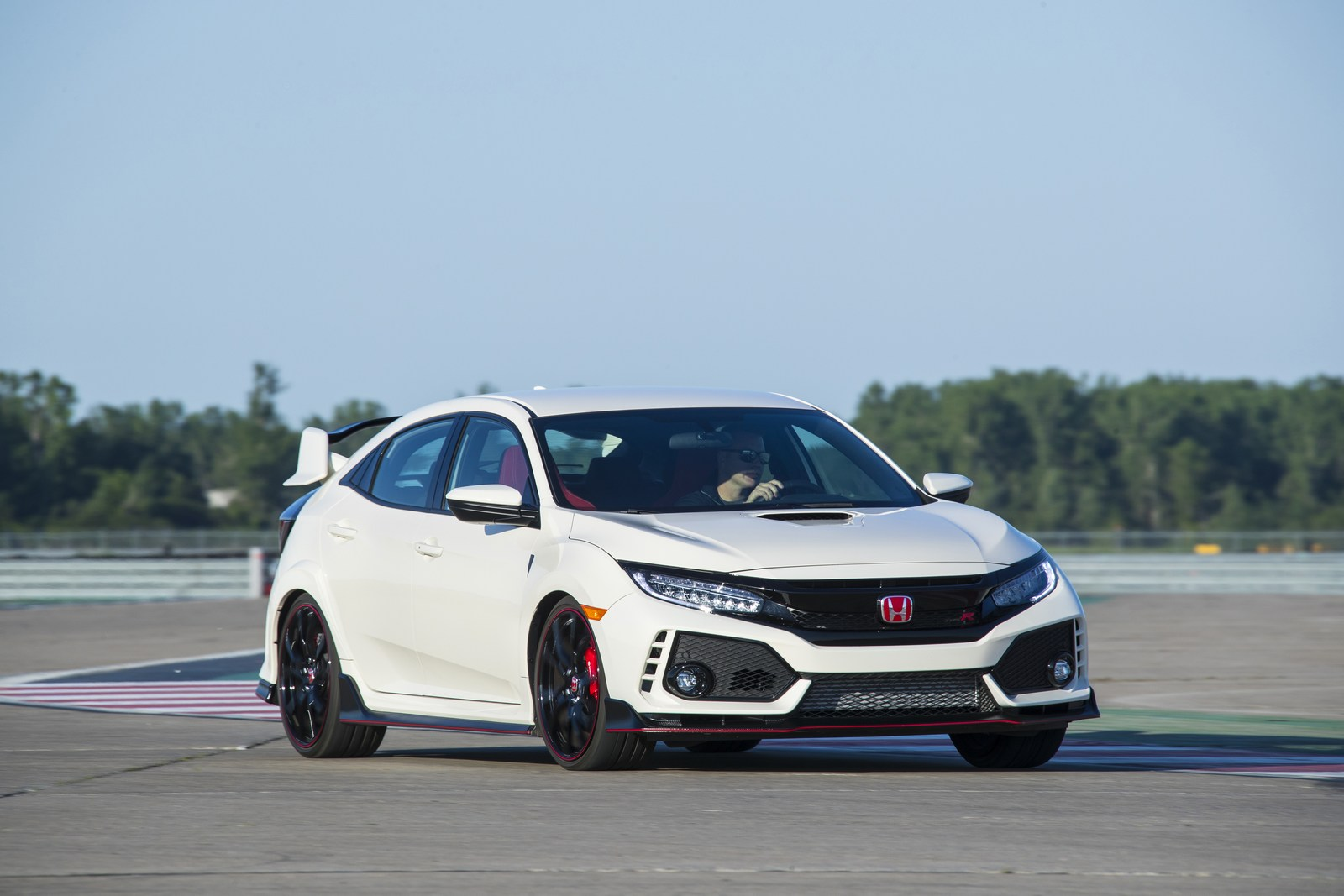 2018 honda civic type r price bumped to 34 100 no entry level carscoops. Black Bedroom Furniture Sets. Home Design Ideas