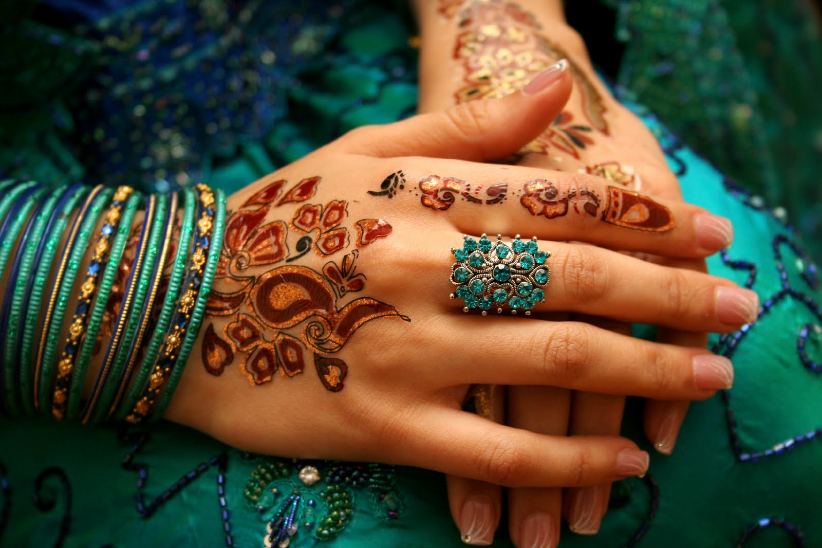 Henna Tattoo For Indian Wedding: Beautiful Designs: Arabic Mehndi Designs For Hands
