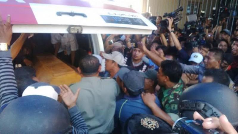 Jenazah Freddy tiba di rumah duka di Surabaya