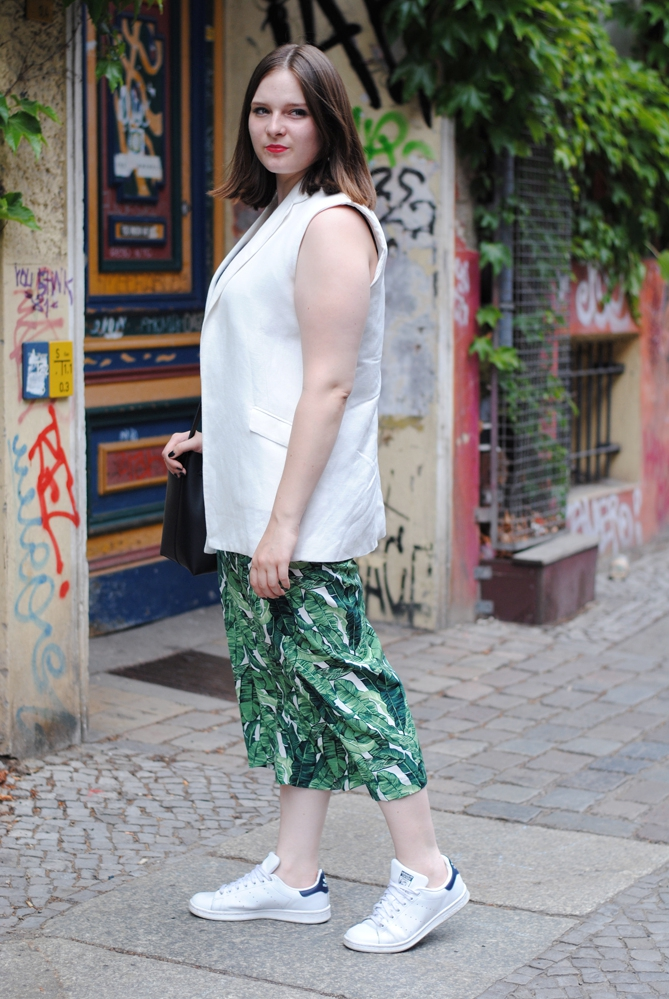 Berlin Fashion Week Outfit Leaf Print Culottes