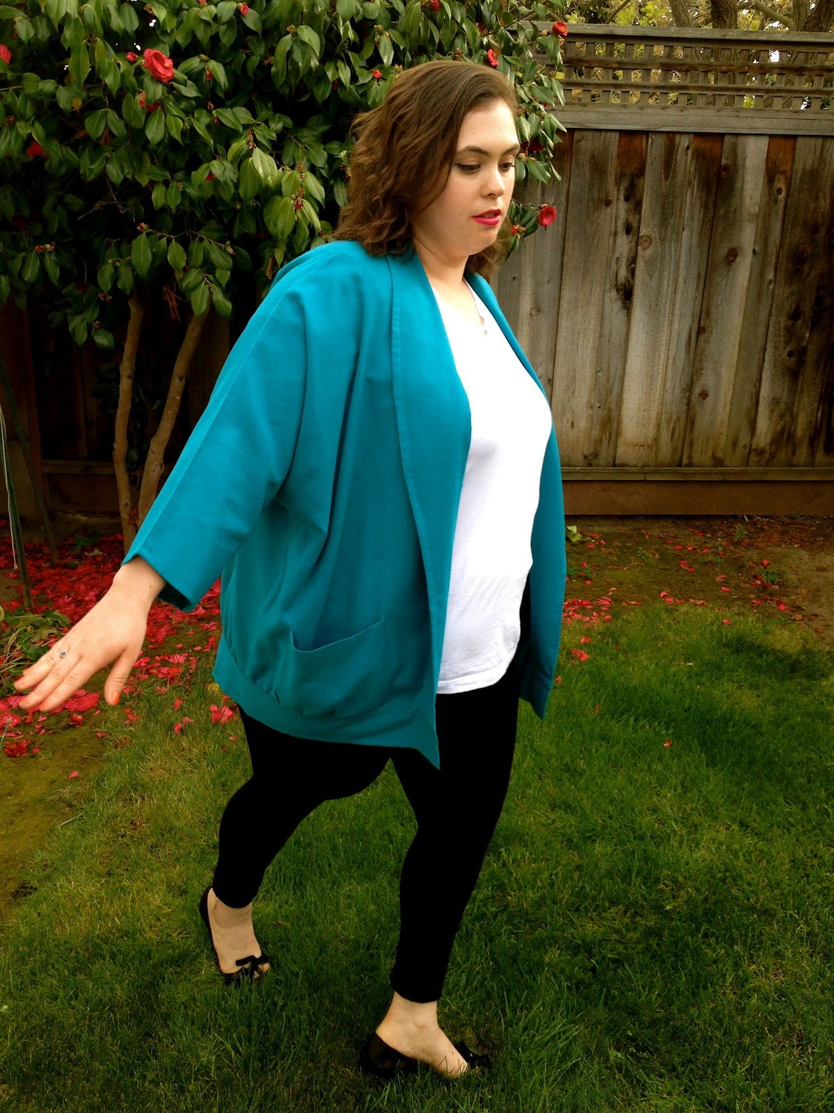a96e73561e4 The Curvy Elle  How to Wear Leggings for Plus Size (or ANY Size)