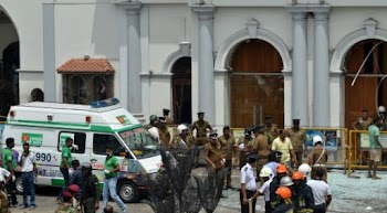 At least 130 dead after several explosions at Sri Lankan churches
