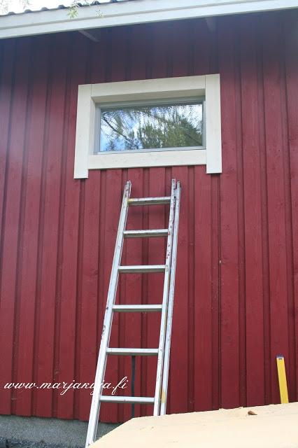 Tallin ikkunat ja smyygit valmiina