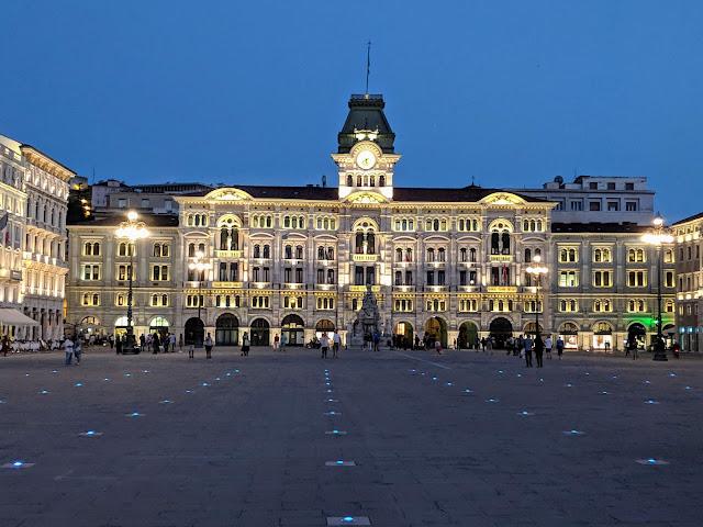 Points of interest in Trieste City: Piazza Unita d'Italia at night