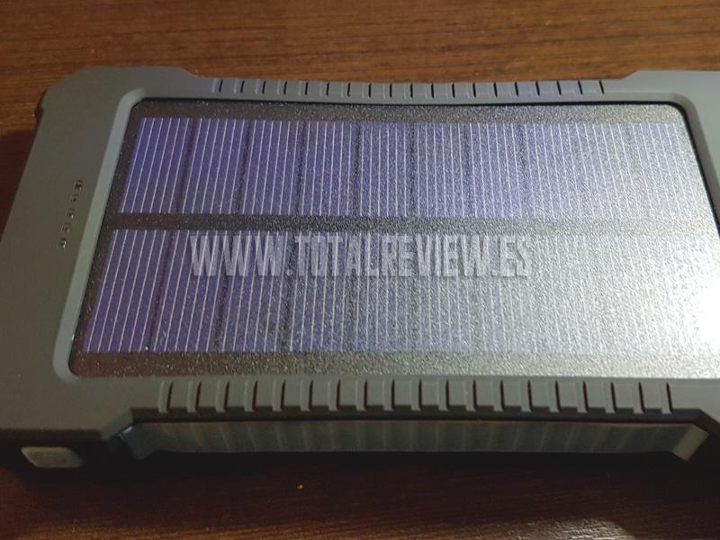 cargador solar de móvil en Amazon