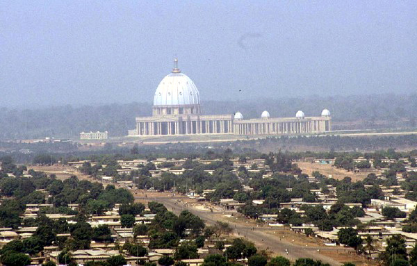 Yamoussoukro, Capital da Costa do Marfim