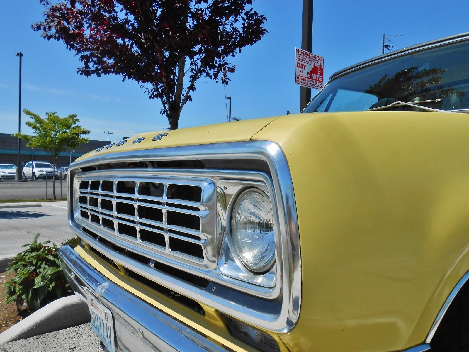 Seattle's Parked Cars: 1974 Dodge D100 Adventurer Sport