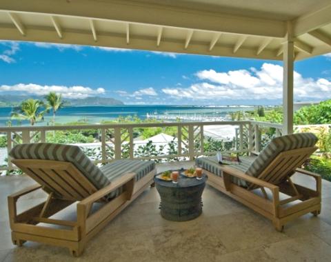 porch lounge chairs on lanai