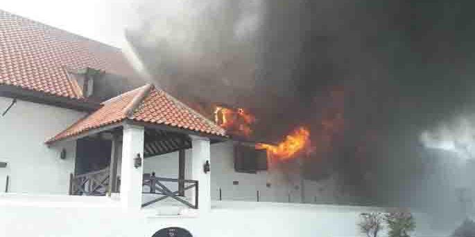 BREAKING NEWS: Museum Bahari di Pasar Ikan Terbakar
