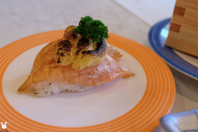 sushi & nori, brisbane japanese restaurants, sushi train,