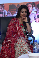 Shriya Saran and Meenakshi Dixit Pos at Quaker Feed A Child Campaign  0006.jpg