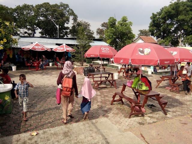 Wisata Renang dan Kebun Binatang Mini di J&J Linggarjati Kuningan
