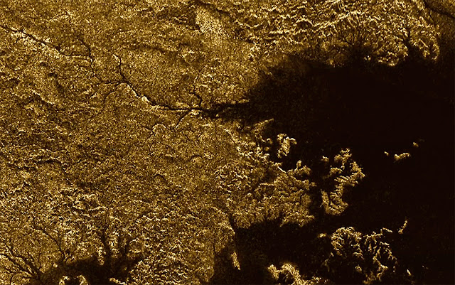 Titan is gorges: Moon features steep, liquid-filled canyons