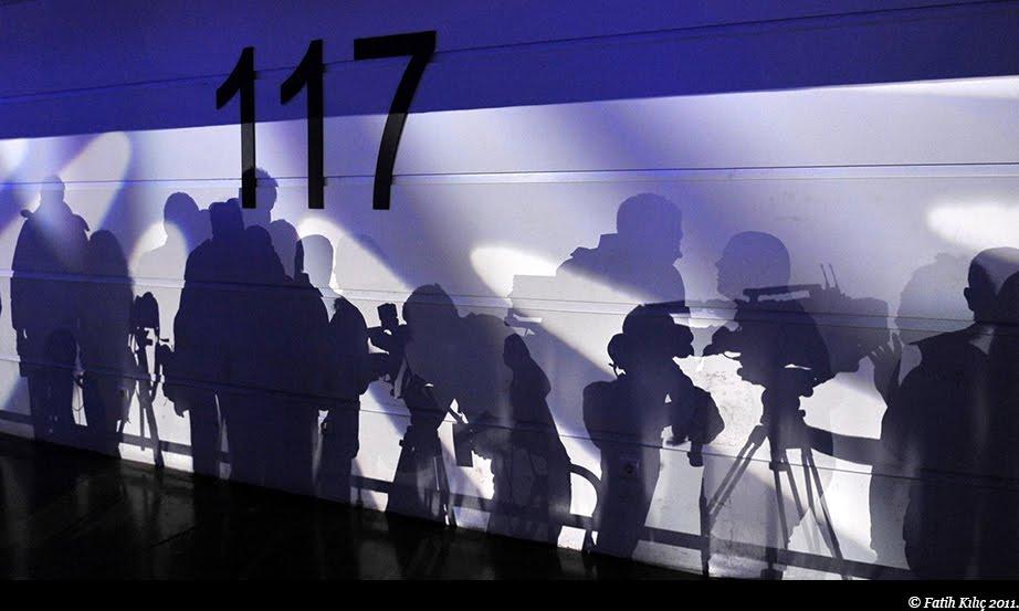 basın fotoğrafçılığı, basın mensupları, gazeteci, gölge fotoğrafları, haber fotoğrafı, ters ışık, fotoğraf günlüğü,
