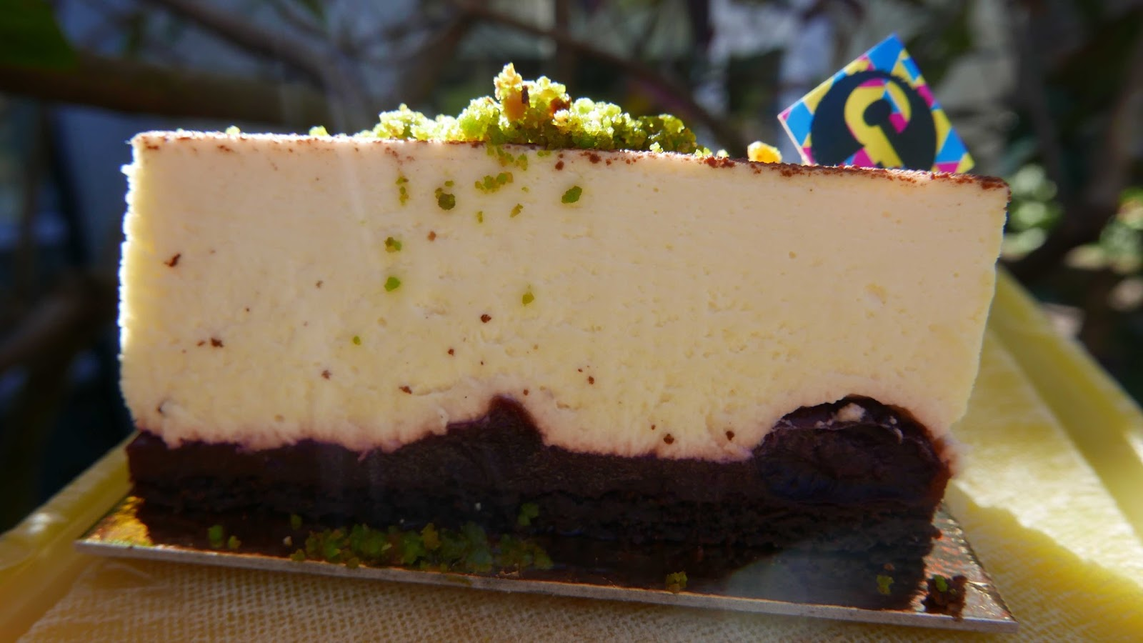 RESTAURANTS AND FOOD: Charly\'s Cheesecakes