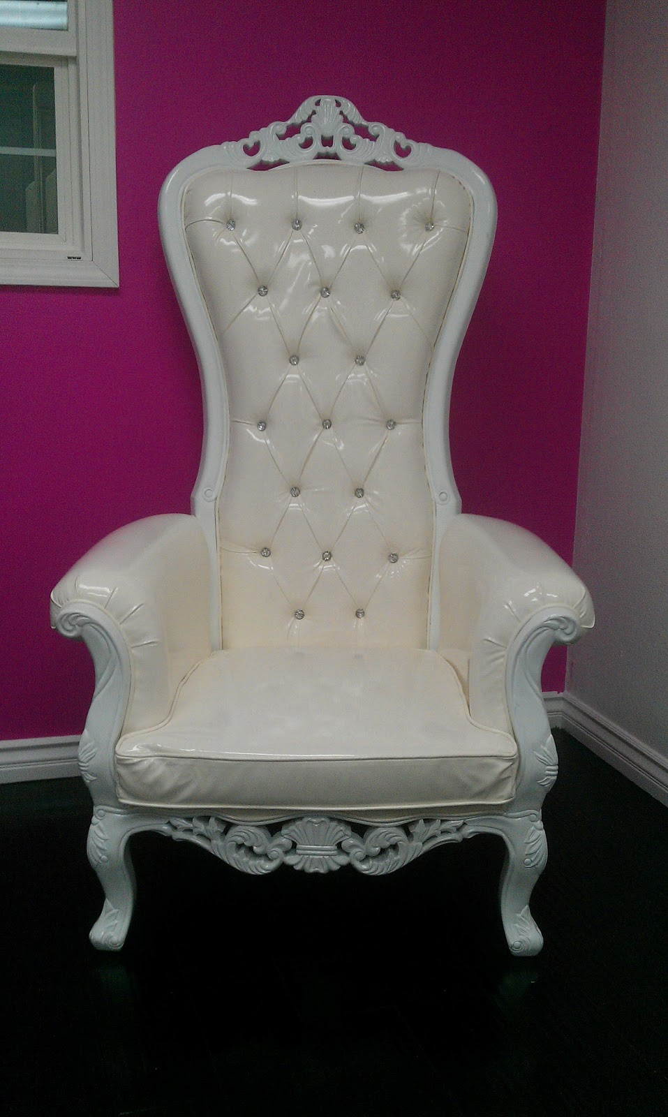 The Mod Spot New Rental Kings Chairs Thrones