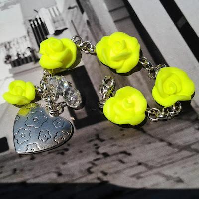 braccialetto con rose neon in fimo