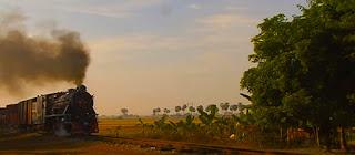 Myanmar train travel (1)