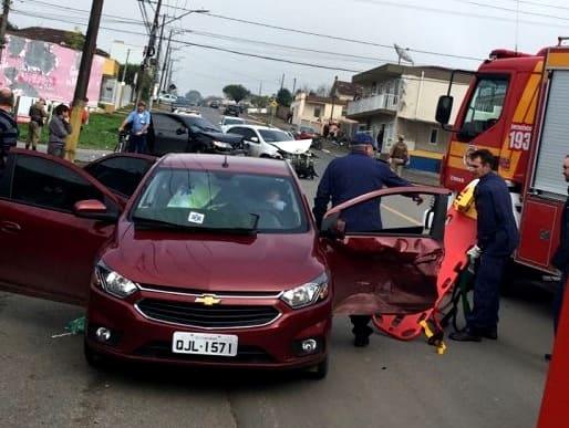 Acidente de trânsito na rua Paula Pereira em Canoinhas