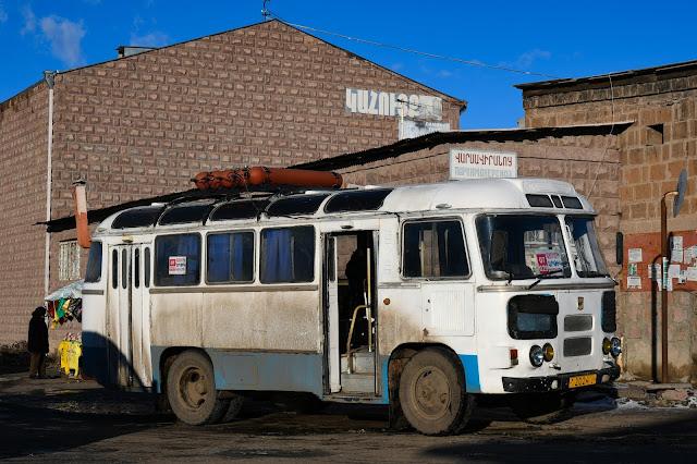 アルメニア ギュムリ バス ПАЗ-672