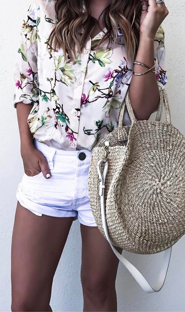 ootd: blouse + shorts + bag