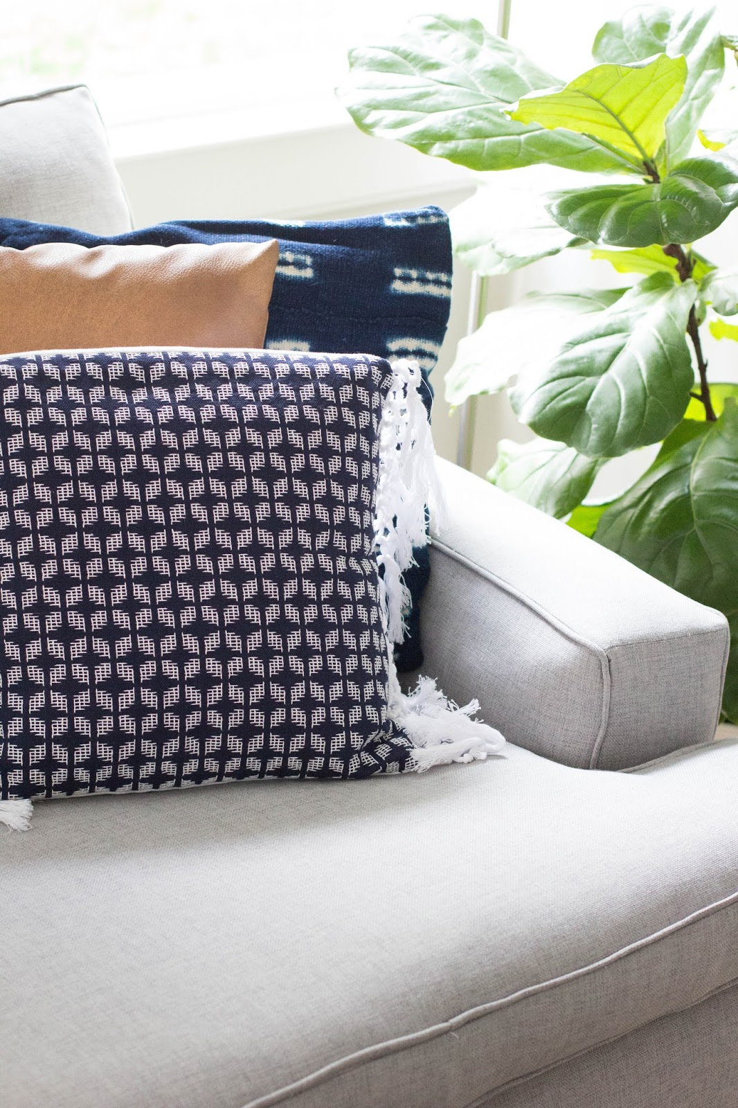 always rooney: Fringe Pillow Made From A Placemat | DIY