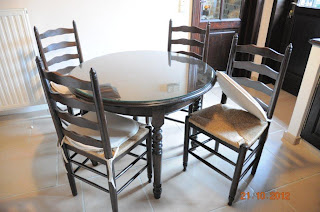 tafel en stoelen zandstralen