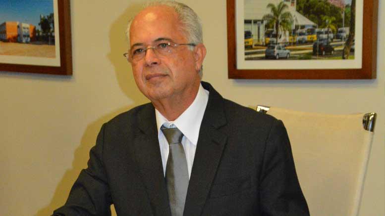 Macchione, prefeito de Catanduva, apresenta defesa com duas mil páginas