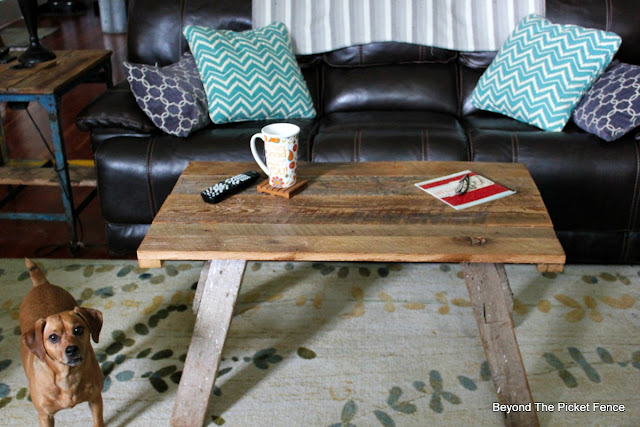 sawhorse table, reclaimed wood, repurposed, salvaged table, minwax, barnwood, http://goo.gl/2Ur94T