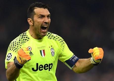 Kiper Legendaris Gianluigi Buffon akan Pensiun, Kecuali...