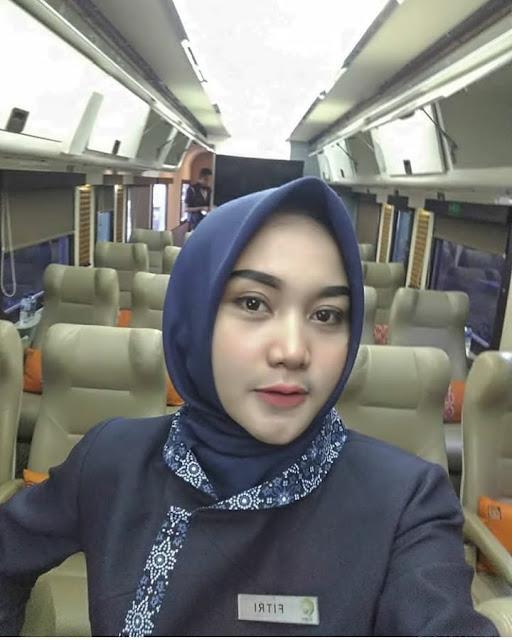Fashionable Basic Hijab Qalisya