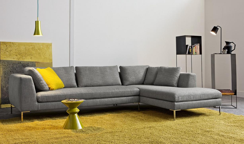 Panna e grigio due colori attuali per il rivestimento di for Divani moderni grigi