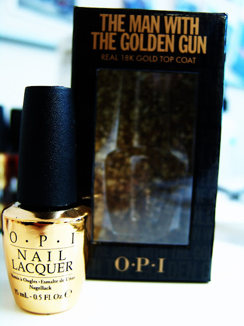 Feel like 007 is your hubby and want to be the ultimate Bond-Girl, ten OPI is your best friend! 18kt gold leave nail polish!fashion, accessories, beauty, makeup, body, trends, spring, summer, new, wishlist, musthave, pret-a-porter, couture, art, nails