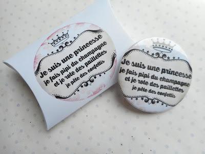 http://www.alittlemarket.com/pins-badges/fr_grand_badge_et_sa_boite_cadeau_je_suis_une_princesse_beige_noir_couronne_-16666736.html