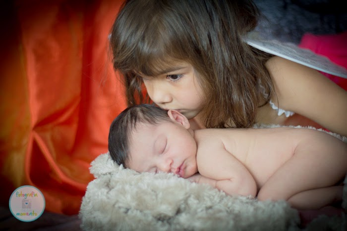 Newborn_Photography_Sisters