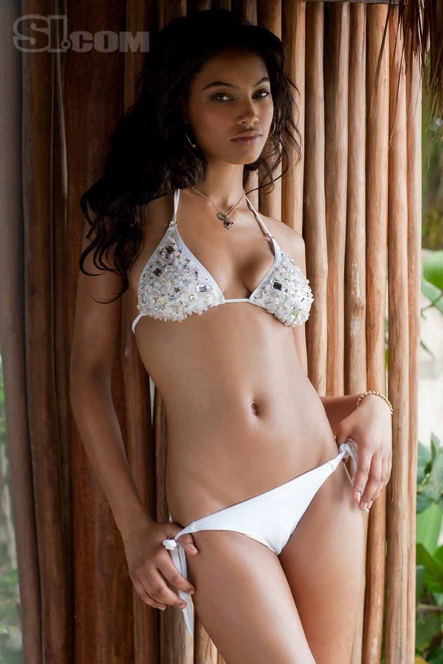 American Model Ariel Meredith In Bikini