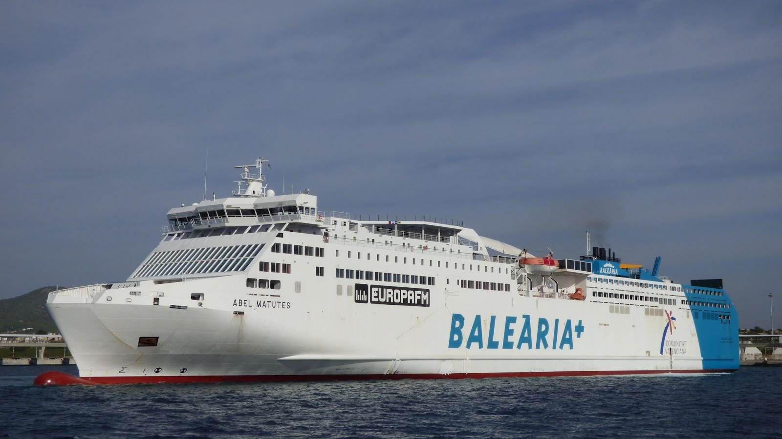 Ferrybalear la naviera bale ria ampl a sus horarios for Oficina balearia ibiza