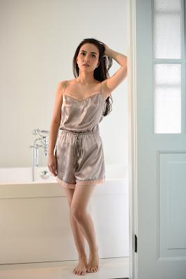 rumah gurita shandy aulia youtube ada ada aja shandy aulia youtube ganti baju di kamar mandi