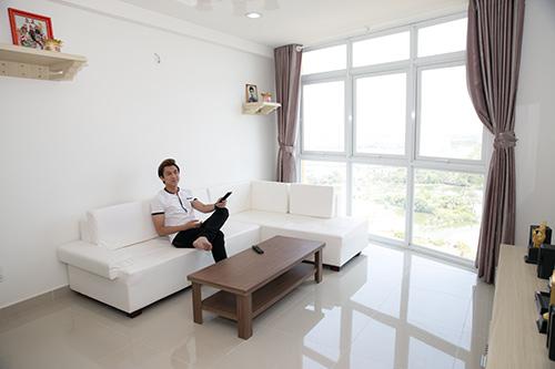 """Căn hộ thoáng mát của """"ông hoàng triệu view"""" Hồ Việt Trung"""